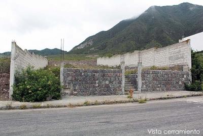 Terreno La Marca, con cerramiento, a 3 km de la ciudad Mitad del Mundo $44.000 Inf: 2353232, 0997592747,0958838194