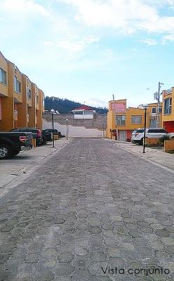 Vendo casa Quito, Mena del Hierro, cerca a UDET, sobre la occidental, conjunto el Conde $99.000 2353232,0997592747,0958838194
