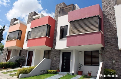 Casa Pusuqui, conjunto Villanueva de 3 pisos, buenos acabados $115.000 2353232, 0997592747, 0958838194