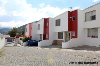Casa Conjunto Los Cántaros, Pusuqui, con mejoras y extras, a 5 minutos del Condado $108.000 2353232,0997592747,0958838194