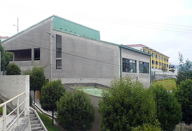 Departamento Dos Hemisferios,de alquiler, tercer piso, 3 dormitorios $250 Inf: 2353232, 0997592747, 0958838194
