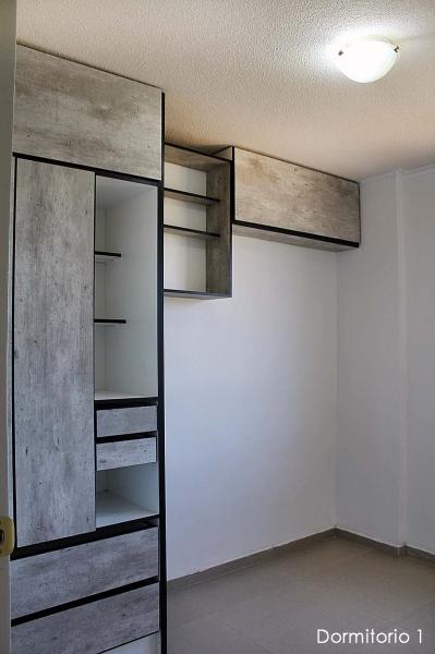 Ciudad Dos Hemisferios, departamento remodelado, 3 dormitorios, 2 baños, 76m2 $65.000 Inf: