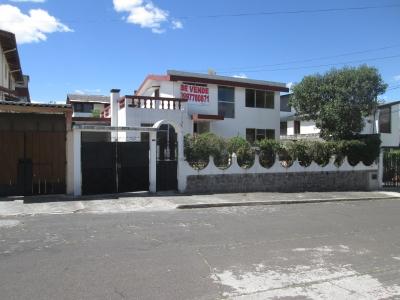 Amplia y comoda Casa en Conocoto