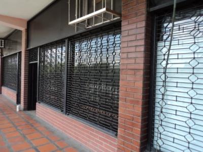 Venta de Local Comercial en Centro Comercial Coche Aragua Avenida Intercomunal Santiago Mariño. Maracay. Edo. Aragua