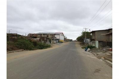 Amplia Bodega/Galpón en zona estratégica de Playas