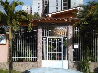 Venta Casa de Dos Plantas en Los Budares Carrizal