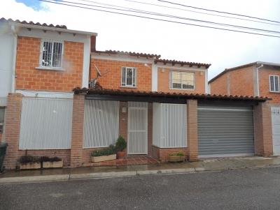 LINDO TOWN HOUSE EN LLANO ALTO