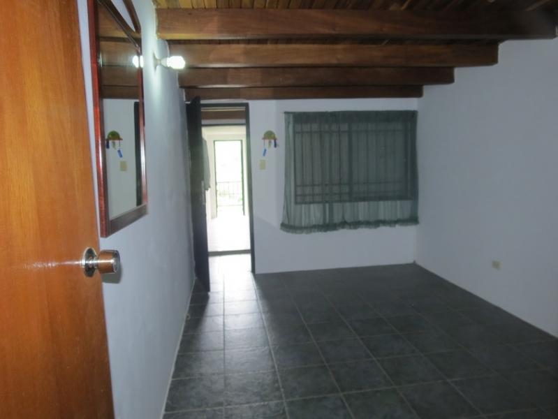 LINDA TOWN HOUSE EN LLANO ALTO , CARRIZAL