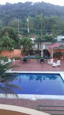 ALQUILO APARTAMENTO COSMOPOLITAN SANTA ELENA, FULL AMUEBLADO, GRANDE, 3 habitaciones, Principal con walking closet y baño, Baño social, Area de servicio completa, parqueo