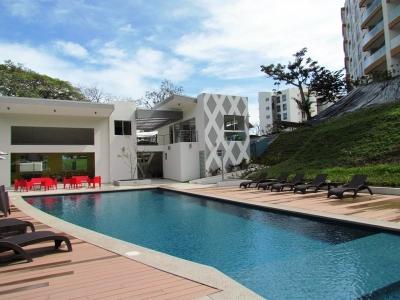 Apartamento Como Nuevo, de 3H, 2.5B, Vistas, en Alquiler en Escazu 2365