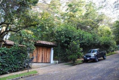 Hermoso terreno con casa en San Antonio, Escazú