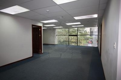 1237-Oficina en alquiler en Escazú con seguridad 24/7