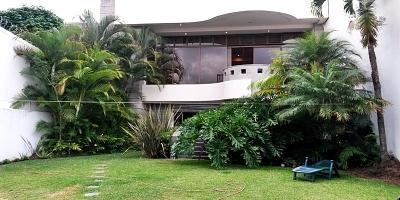 Venta de Casa en Escazú / Lujosa y amplia Casa de 620m en Trejos Montealegre.