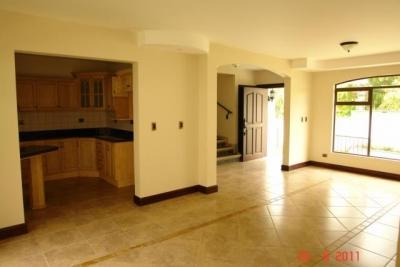 Casa en Venta en Bello Horizonte, Escazu REF 0729