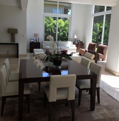 Casa Exclusiva de 4H, 5B, para la venta en Jaboncillos, Escazu.#8128