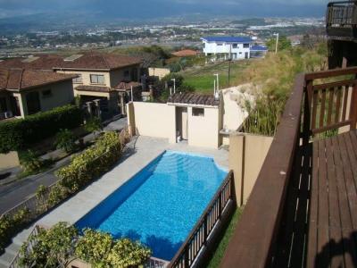 Casa en alquiler en Escazu, Guachipelin.-REF/ 3127