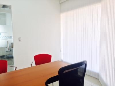 MODERNA OFICINA EN ESCAZU TODOS LOS SERVICIOS