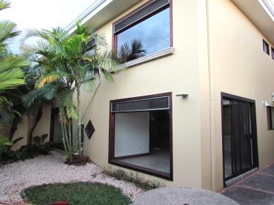 Casa en Venta en Escazú Por Multiplaza #8008