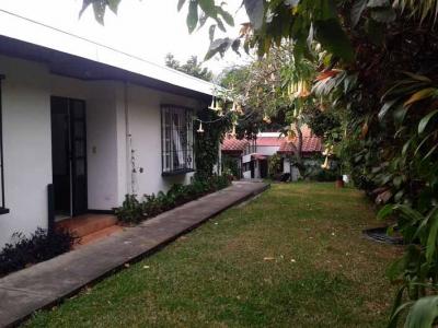 Apartamento amueblado en alquiler en Trejos Montealegre