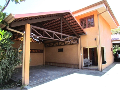 Casa en Alquiler en Escazú #8662