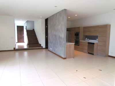 Casa Moderna en Alquiler en Escazú #8693