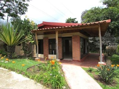 Casa Amueblada con vistas en Alquiler en Escazú 8180