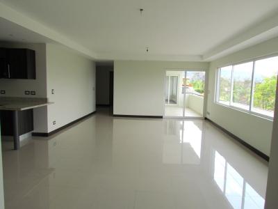 Apartamento en Venta en Escazú #8572