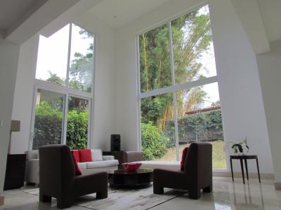 Casa Exclusiva de 4 Hab, 5B,  en Jaboncillos, Escazu.#8442