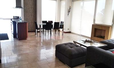 Apartamento en Escazú / 3hab en 5to piso amoblado a 200m de La PaCo.