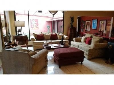 Casa en alquiler, Escazu, San Rafael.- 986574