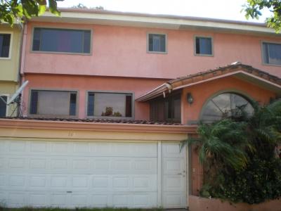 Gran Primera Casa en Escazu en Venta 9909
