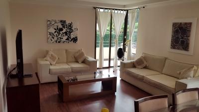 Apartamento Amueblado, 3H, 2B, Han de Servicio para Alquiler en Escazu