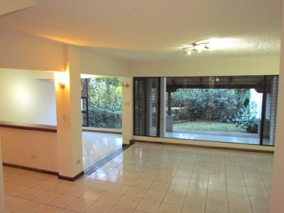 Casa en Escazú / Espaciosa, luminosa, ubicación #9945
