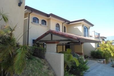 Casa en Alquiler, Condominio en Guachipelin, Escazu