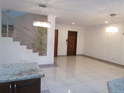 Casa en Escazú / Piscina, Play, Gym, Parque #9791