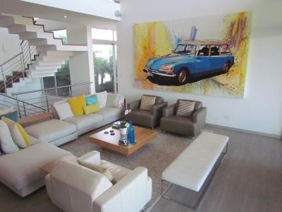 Lujosa Casa en Escazú / Vistas, Condominio Exclusivo #7240