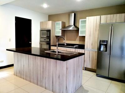 CityMax Alquila Apartamento Moderno en Escazú, 1 dormitorio