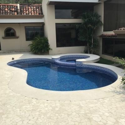 Preciosa Casa Independ 1 planta c/ desniveles piscina jardines
