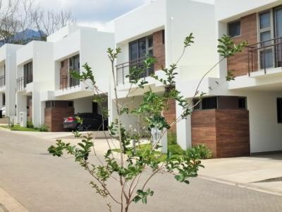 Casa nueva en Condominio Terralta, Escazu