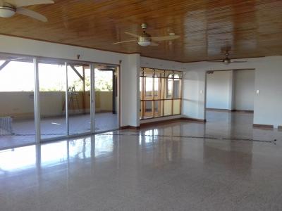 Casa en alquiler en Escazú