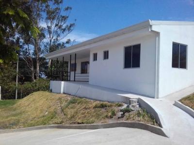 Casa en alquiler en Guachipelin Norte