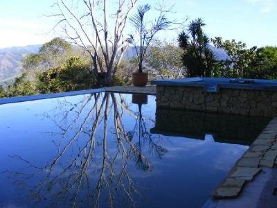 Casa en Paraiso Tropical con vista al oceano y a las montañas.#4483