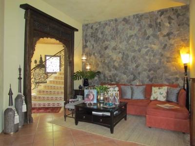 Hermosa Casa de Campo en la Ciudad, en Venta, Santa Ana.#7572