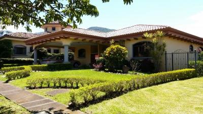 Casa de una Planta en Condominio Oro Sol