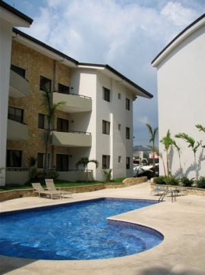 Apartamento semi amueblado en alquiler Avalon Plaza