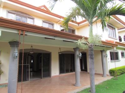 Casa en Alquiler en Valle del Sol Santa Ana #8242
