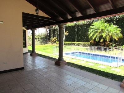 Casa en Alquiler en Valle del Sol #8616