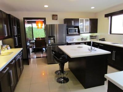 Casa Amplia c/oficina en Condominio, Santa Ana, Venta o Alquiler. 8440