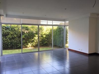 Apartamento contemporáneo con jardín - Rio Oro de Santa