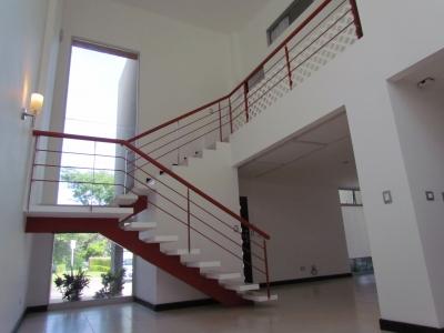 Casa de 2H 2.5B en Condominio, Santa Ana. ID 9587
